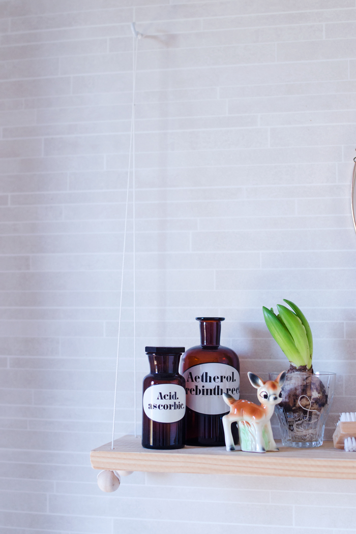 Picture Of small diy hanging bathroom shelf  5