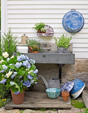 Small Potting Station With A Sink