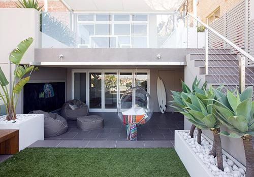 if your backyard is small than think about creating two storey outdoor area