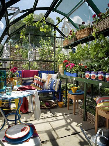 Small Urban Backyard Gardens : 50 Small Urban Garden Design Ideas And Pictures  Shelterness
