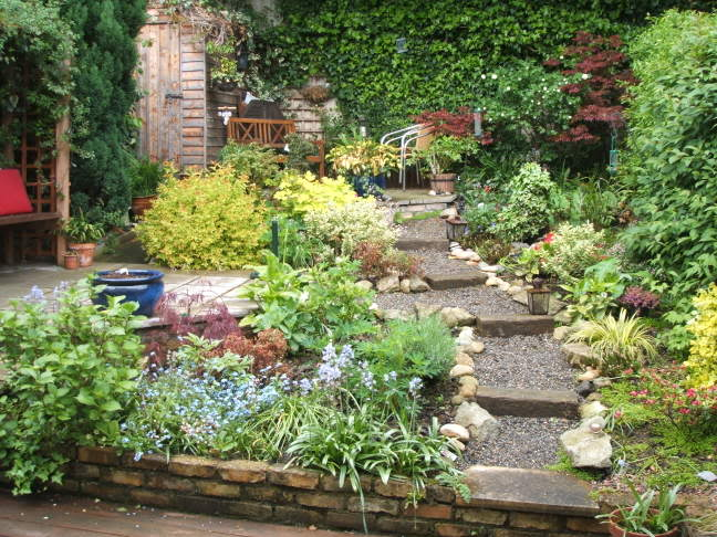 Small urban gardens shelterness - Landscaping ideas small garden ...