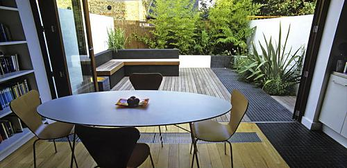 backyard landscaping is quite easy for urban gardens cuz a lot of space is occupied by - Garden Design Terraced House