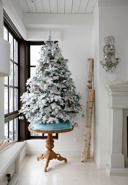 25 Small Yet Gorgeous Christmas Trees