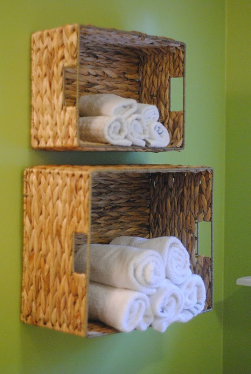 basket bathroom storage (via makinglemonadeblog)