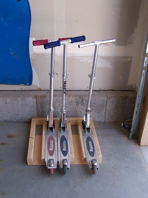 scooter stand (via batchelorsway)