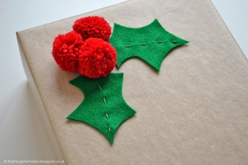 pompom gift wrap (via thethingsshemakes)