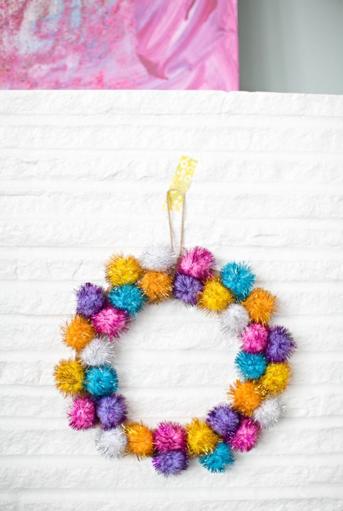 sparkly pompom wreath (via hellowonderful)