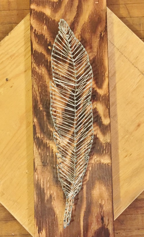 feather string art (via hashtagblessedblog)