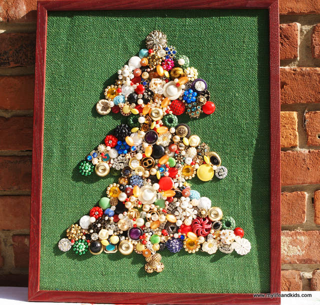 beads and jewelry Christmas tree