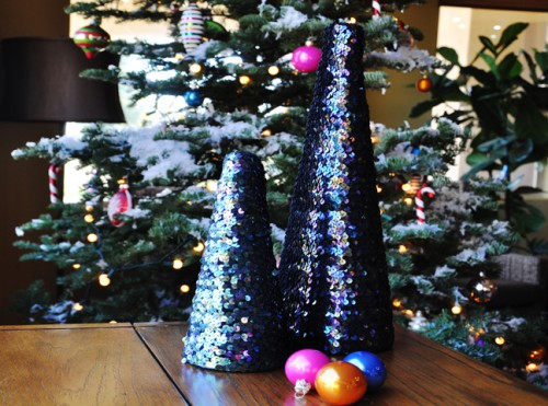 sequin Christmas tree (via momtastic)