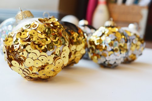 15 Sparkly DIY Sequin Crafts For Winter Holidays