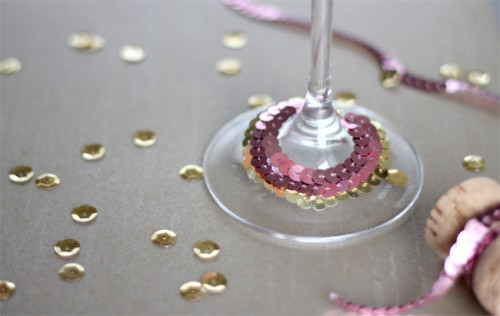 sequin glass collars (via greenweddingshoes)