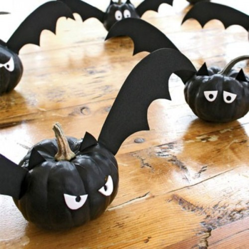 black bat pumpkins with eyes and wings are great for Halloween decor, they are fun and eays to make