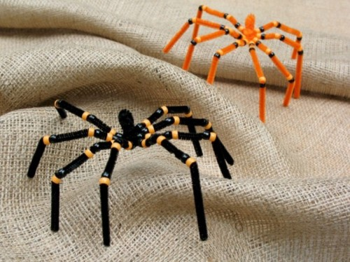 colorful and very realistic spiders are ideal for applying them to Halloween decor, use as many as you want