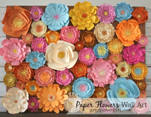 paper flowers wall art (via greylustergirl)