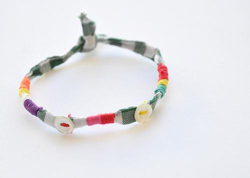 DIY button spring bracelet