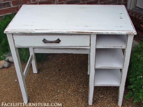 chippy white shabby chic desk (via faceliftfurniture)