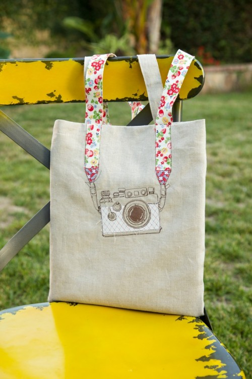 Stylish DIY Camera Embroidery Tote
