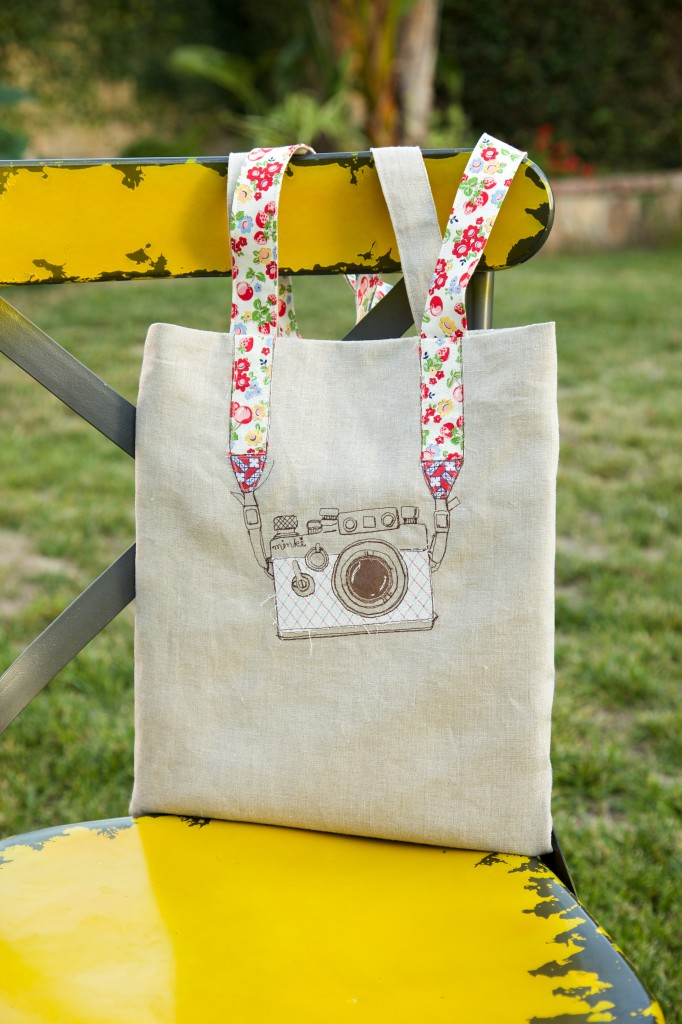 Stylish Diy Camera Embroidery Tote