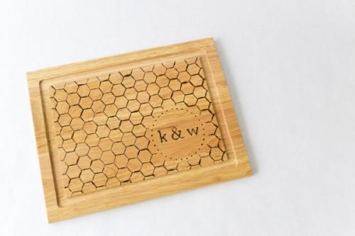 monogrammed cutting board (via ruffledblog)