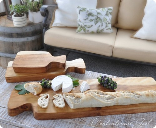 thick wood cutting boards (via shelterness)