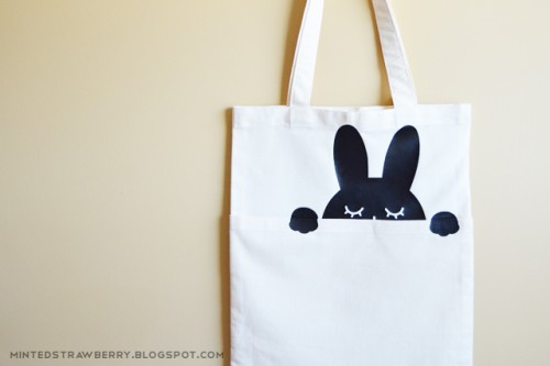 black and white bunny bag (via mintedstrawberry)