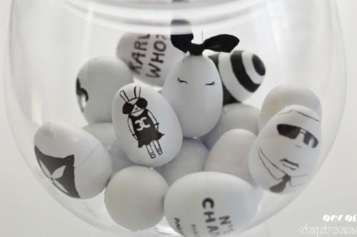 fashionable black and white eggs (via decordaydreams)