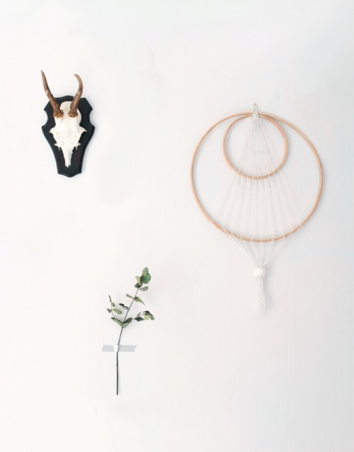 Stylish DIY Minimal Dreamcatcher For Home Decor