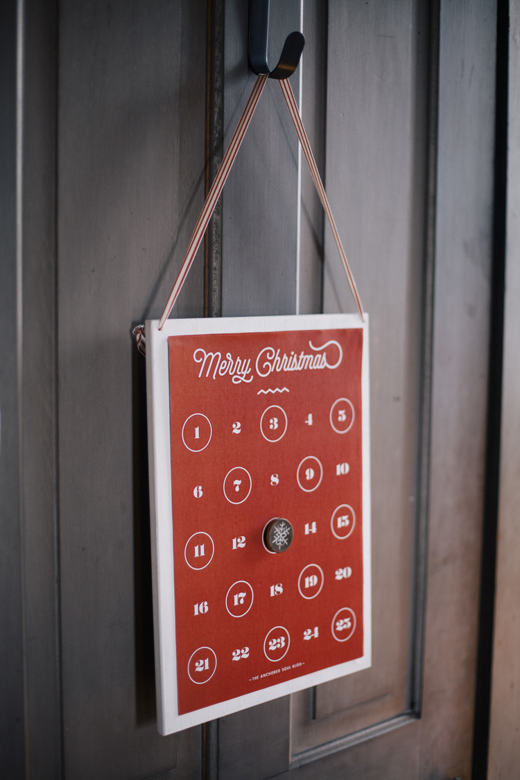 Picture Of stylish diy red christmas countdown  4