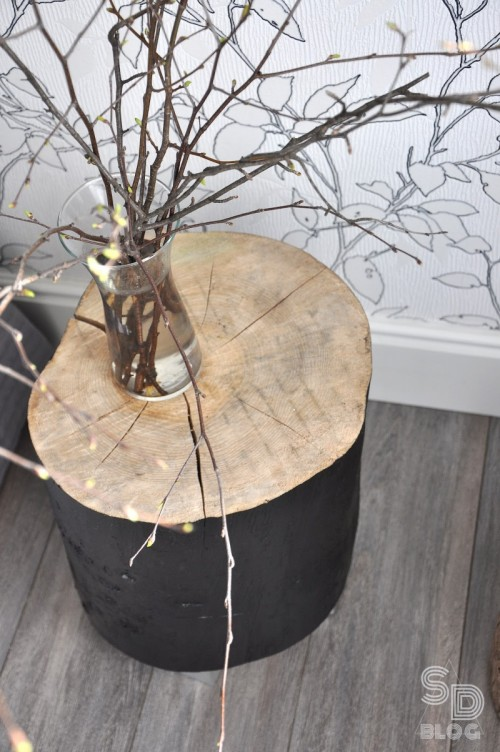 Stylish DIY Stump Bedside Table In 2 Versions