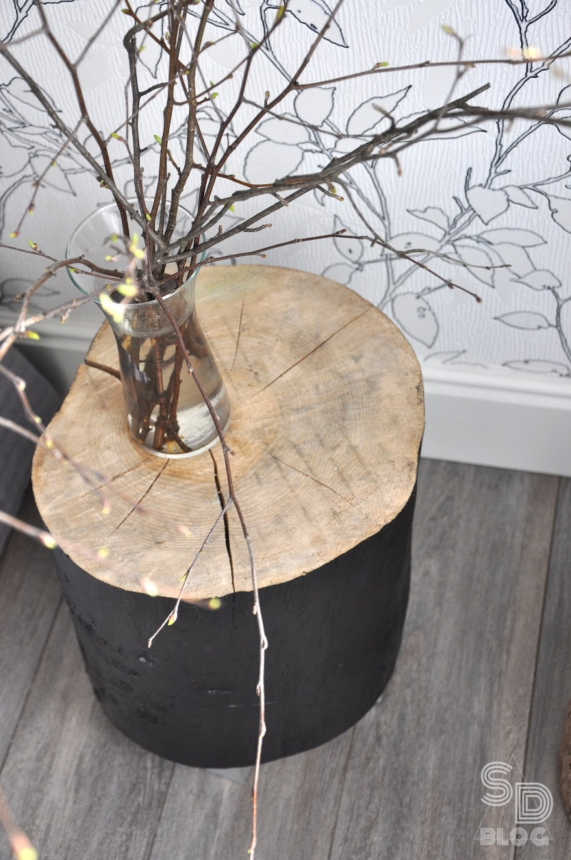 Picture Of stylish diy stump bedside table in 2 versions  7