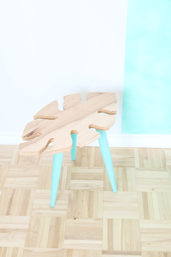 Picture Of stylish diy tropical leaf side table  5