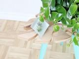 stylish-diy-tropical-leaf-side-table-7