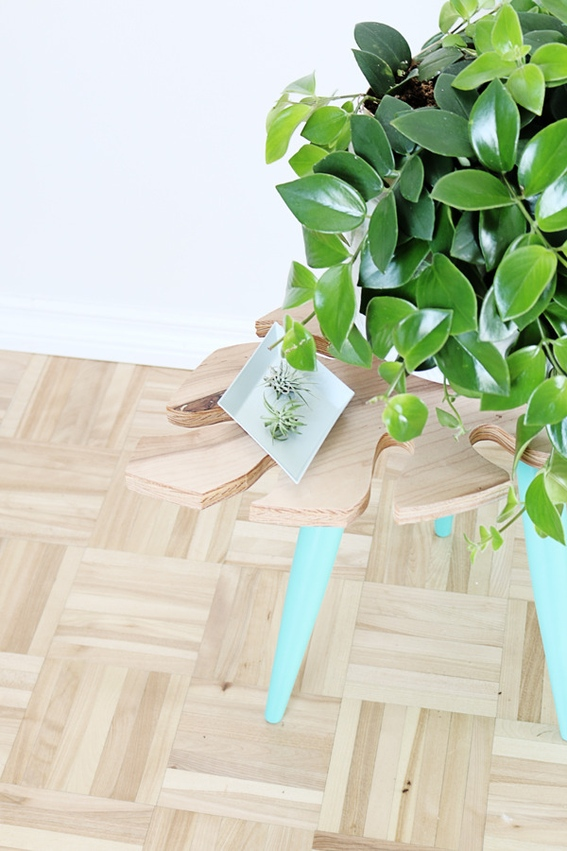 Picture Of stylish diy tropical leaf side table  7