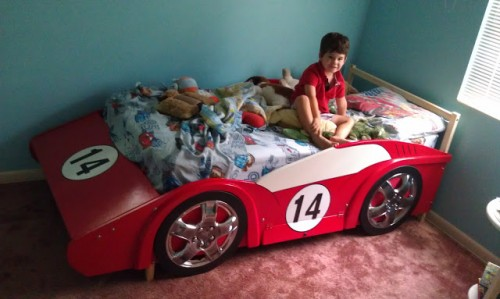 race car bed (via racecar-bed-jlphil)