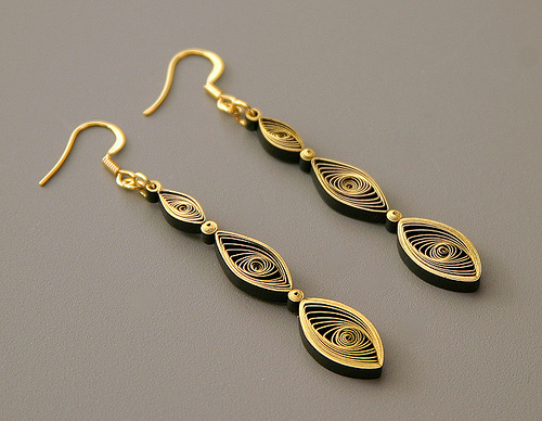 quilling gilded earrings