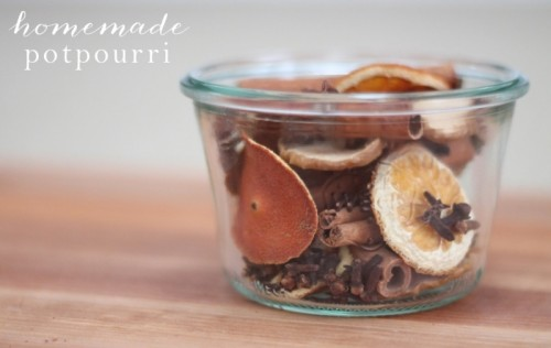 homemade potpourri gift (via julieblanner)
