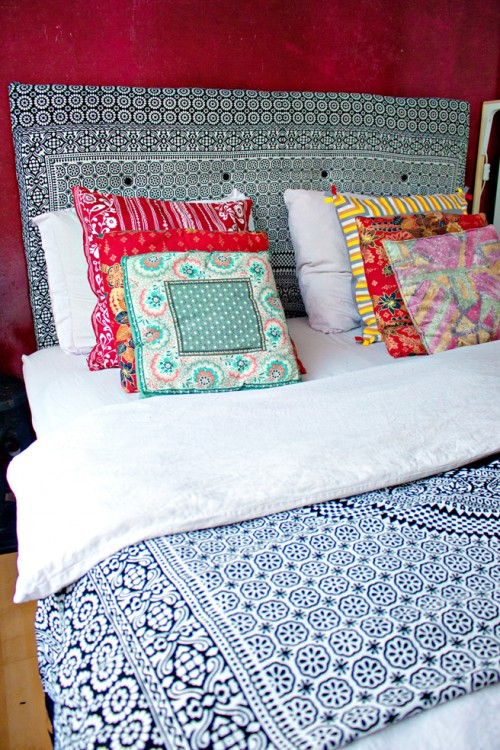 Super Easy DIY Canvas Headboard