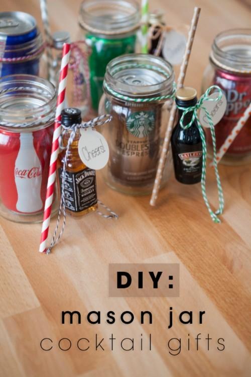 mason jar cocktail gifts (via somethingturquoise)