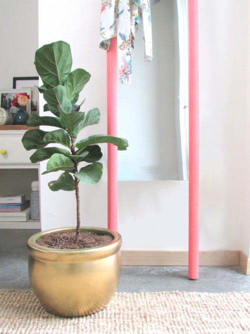 Super Easy And Cute Stilted DIY Floor Mirror