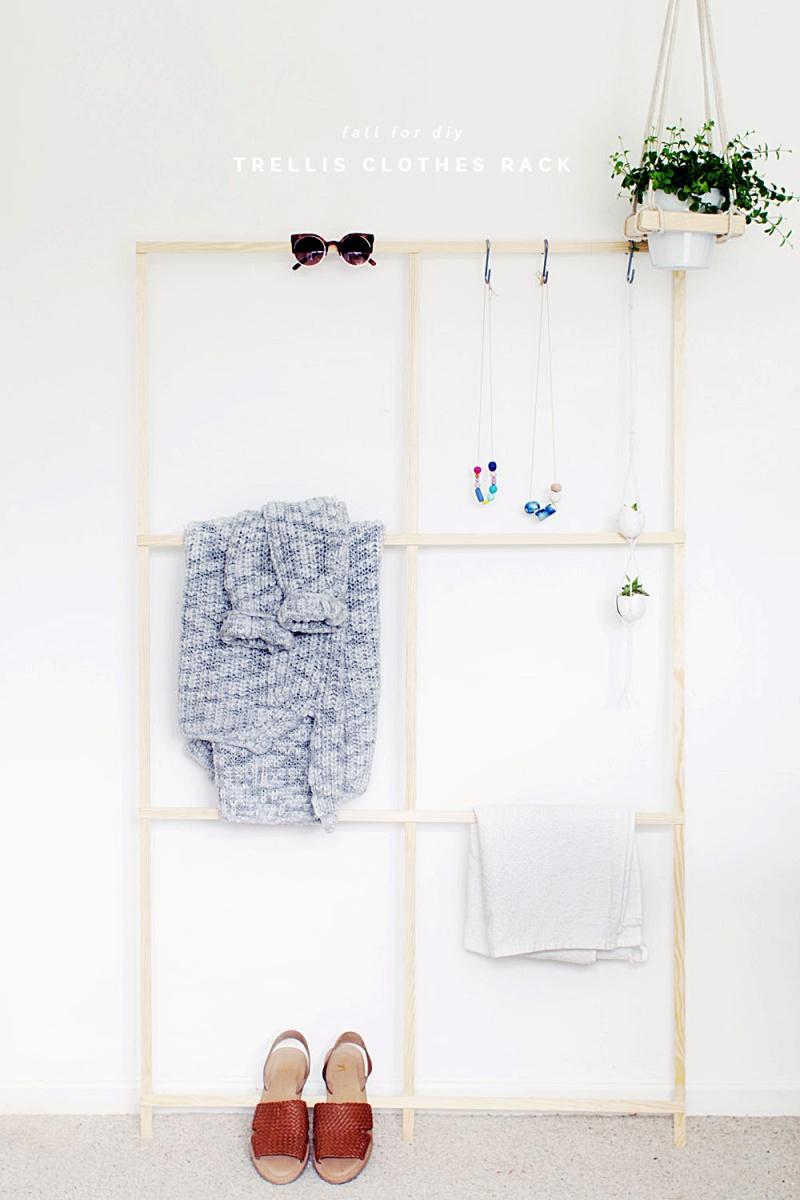 Super Quick And Easy DIY Trellis Clothes Rack
