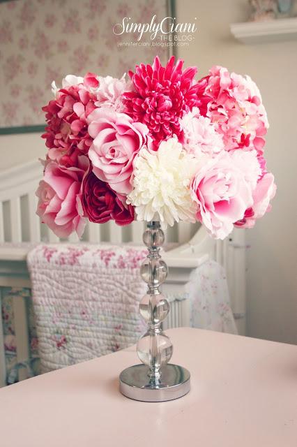 cute floral lamp (via jenniferciani)