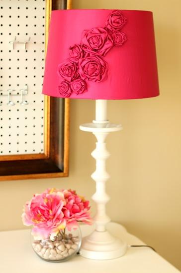 bold floral lamp (via shelterness)