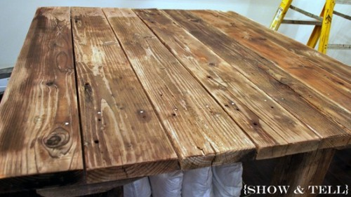 How To Weather New Wood With Vinegar (via sweetpickinsfurniture)
