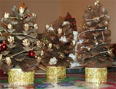 Tabletop Pine Cone Trees