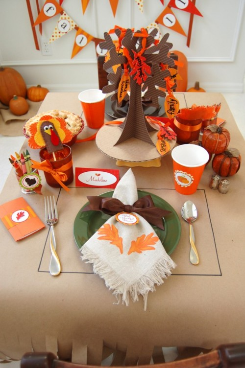 Thanksgiving Kids Table Decor