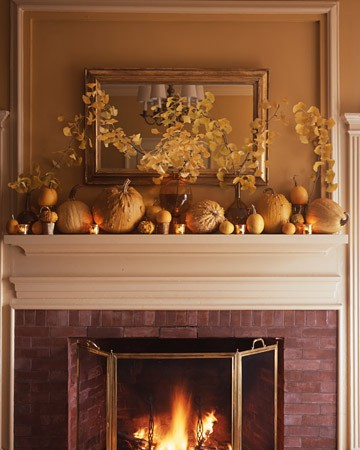 natural pumpkins, leaves and candles are always a good idea for Thanskgiving and fall and it's rustic and cozy