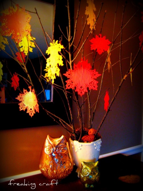 Thanksgiving Tree With Doilies