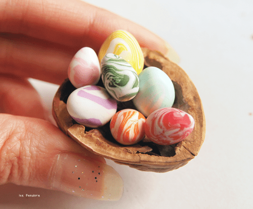 Tiny Diy Marble Clay Eggs For Easter