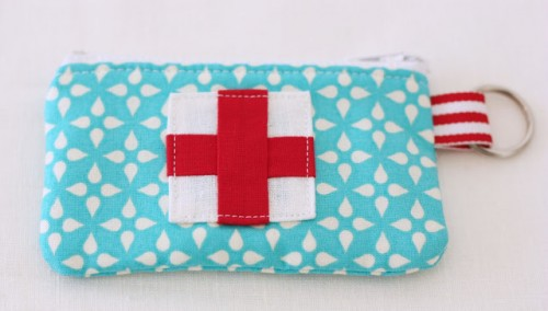 emergency kit pouch (via aspoonfulofsugardesigns)